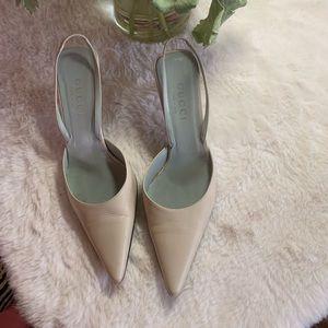 Love at first sight ❤️❤️❤️ Gucci heels sandals